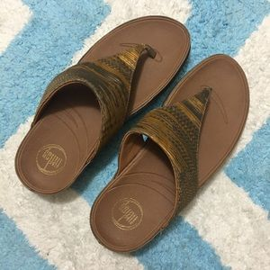 FITFLOP Lulu Silky Gold & Gray Thong Sandal